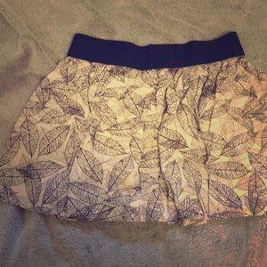 Short patterned skirt